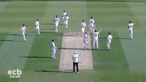 Highlights - Footitt 6-14 as Surrey dismiss Warwickshire for 91