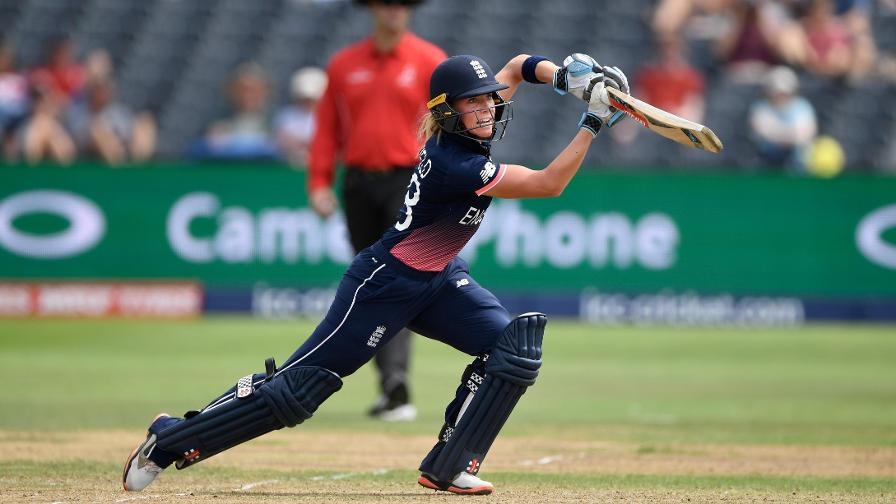 Lauren Winfield put on 42 for the first wicket with Tammy Beaumont