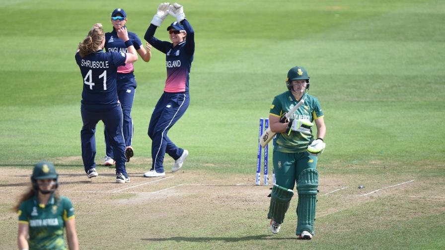 Anya Shrubsole gave England the perfect start by bowling Lizelle Lee in the sixth over