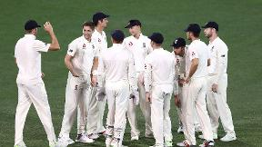 Highlights - Woakes magic leaves England close to victory