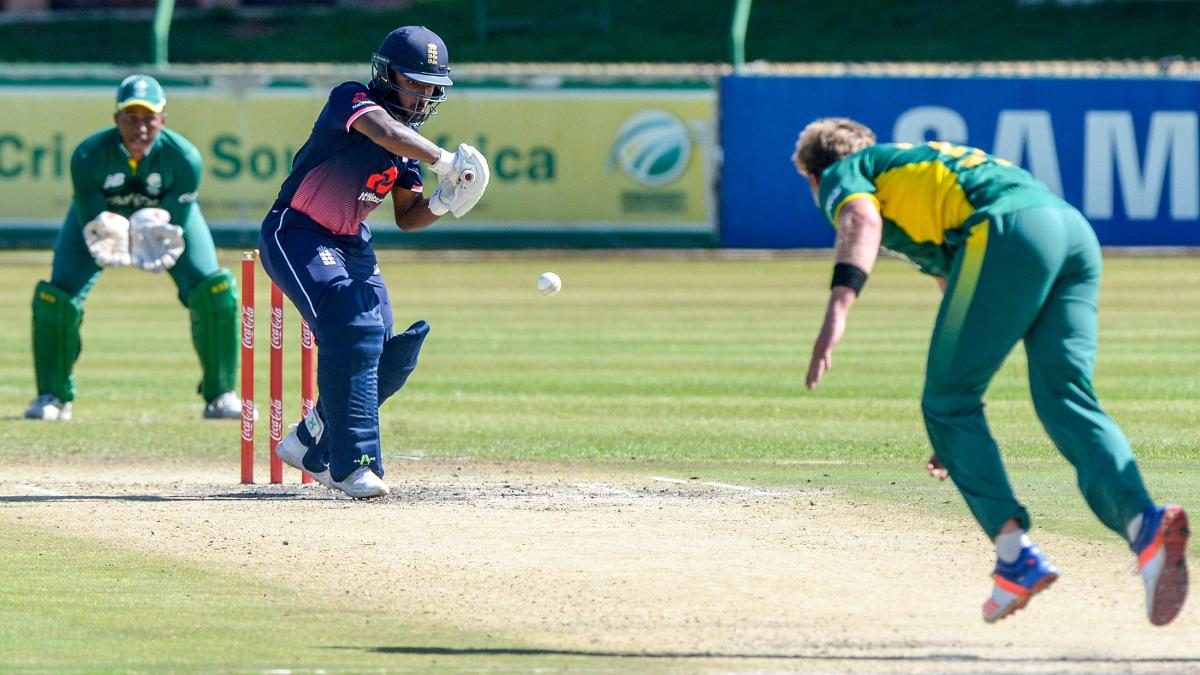 Savin Perera goes on the attack against South Africa
