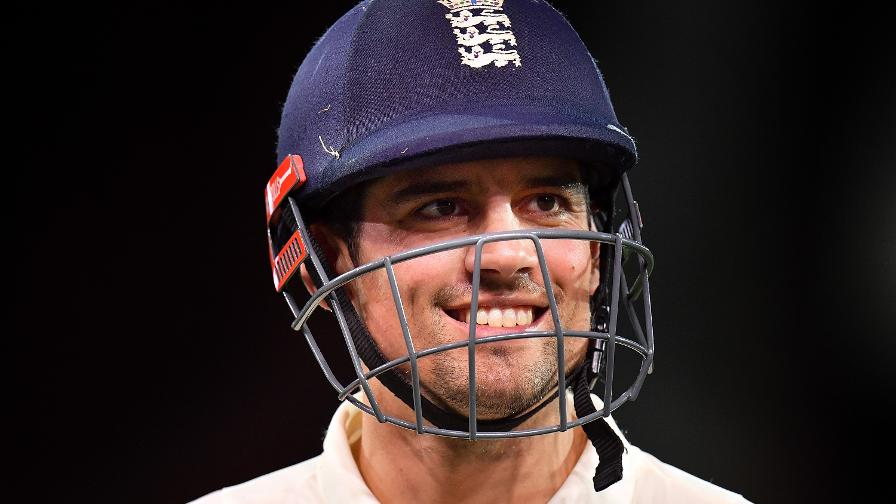 Cook sets record for consecutive Tests