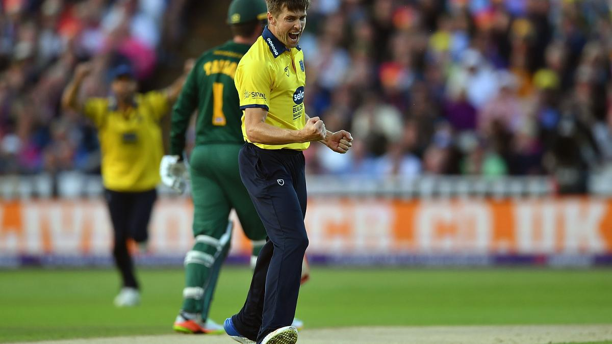Chris Woakes takes a wicket in the T20 Blast Final