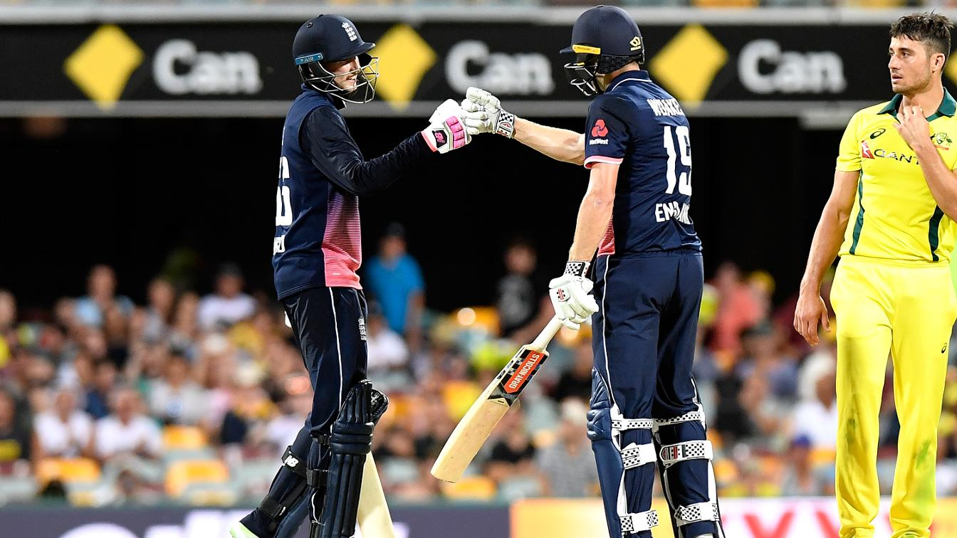 DOUBLE BUBBLE - Root and Woakes celebrate a sweet win