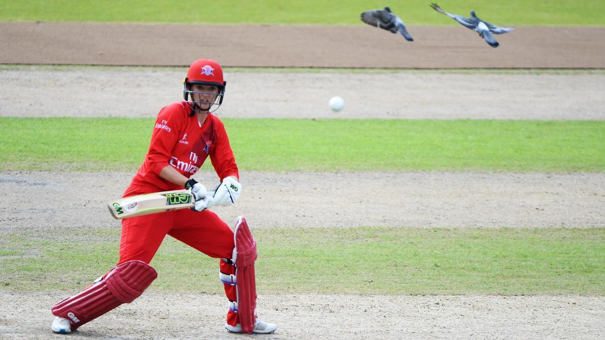 Sarah Taylor will swap Lancashire Thunder for Surrey Stars