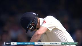 Bess bowled out by Amir