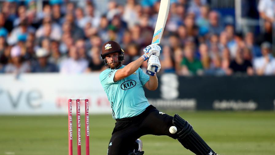 Aaron Finch belts an unbeaten 131 off just 79 balls