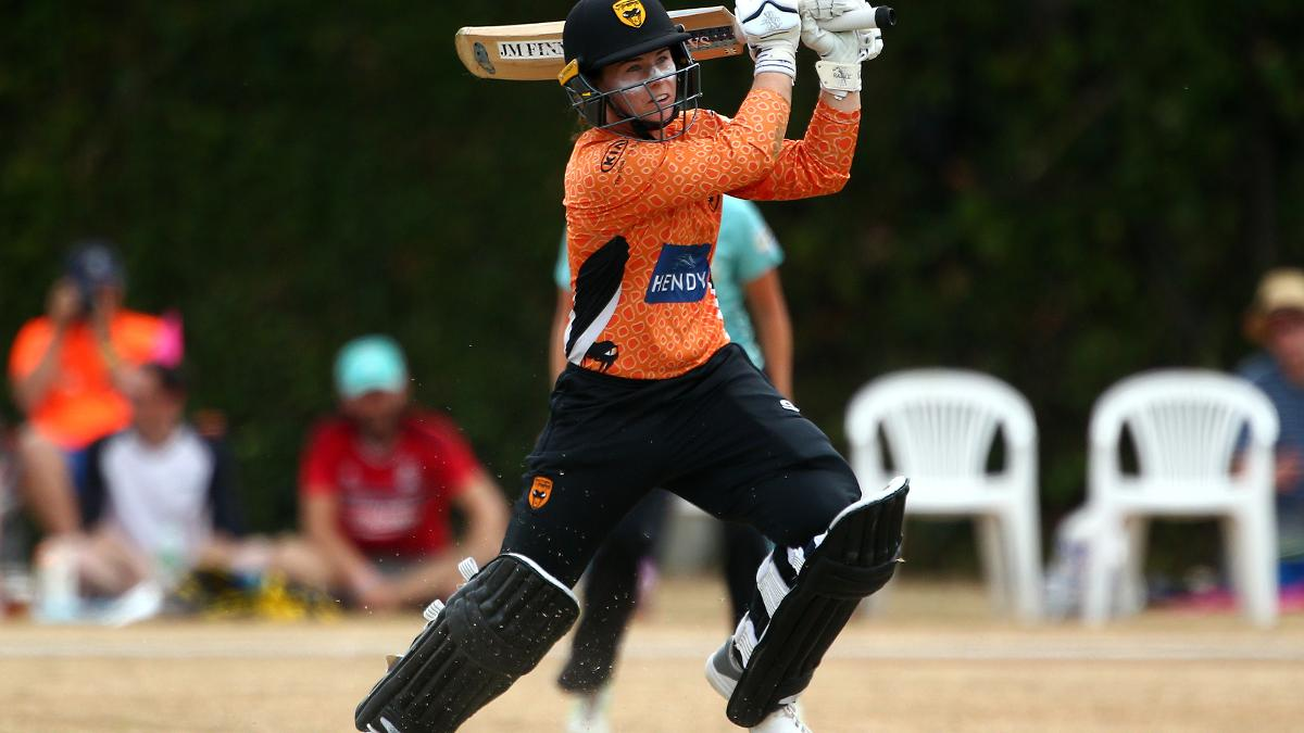 Tammy Beaumont bats for Southern Vipers