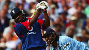 5 Sixes In A Row! Mascarenhas Smashes Yuvraj | England v India 2007 - Highlights