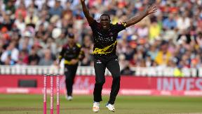 WATCH: Jerome Taylor takes 5/15 in Somerset win