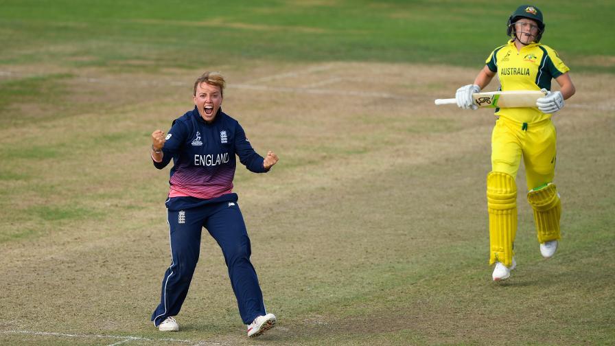 Dani Hazell retires from international cricket
