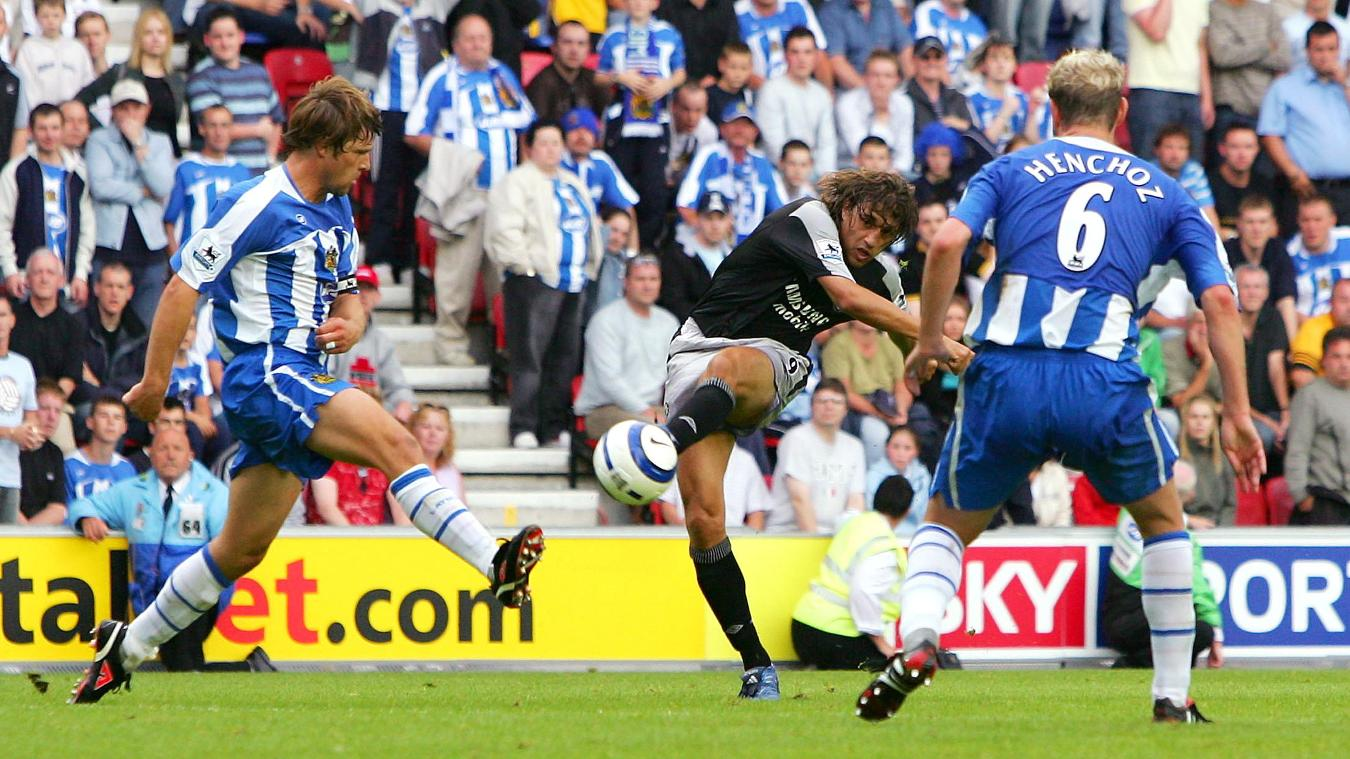 Hernan Crespo scored a stunning late winner for Chelsea at Wigan