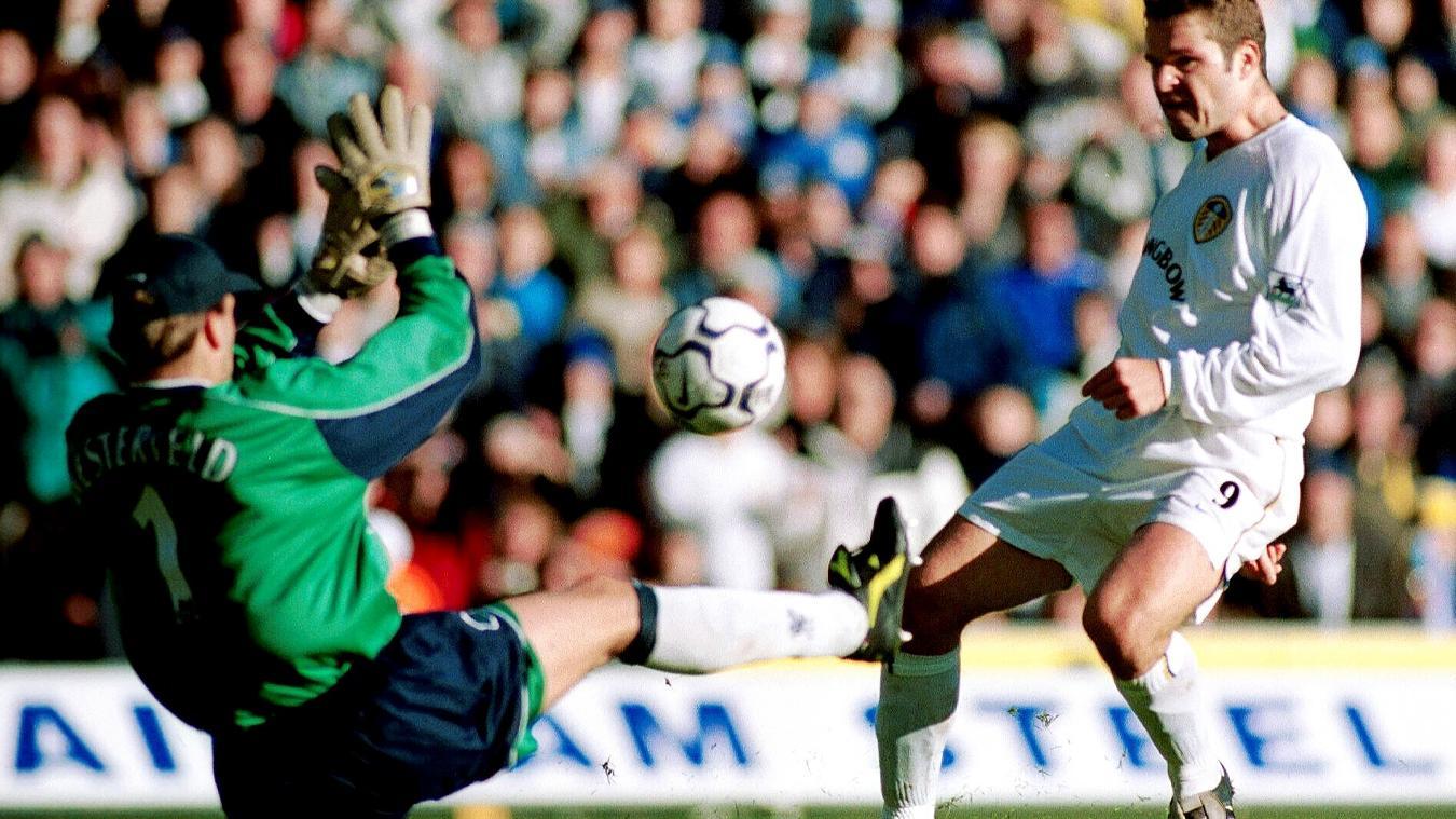 mark-viduka-leeds-liverpool-2000-2001-4th-goal.jpg